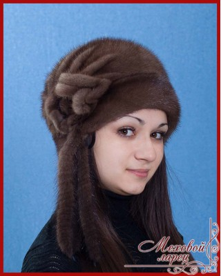"""В шапке  """"Луиза """" вы будете смотреться именно так.  Головной убор сшит из качественного натурального меха и..."""